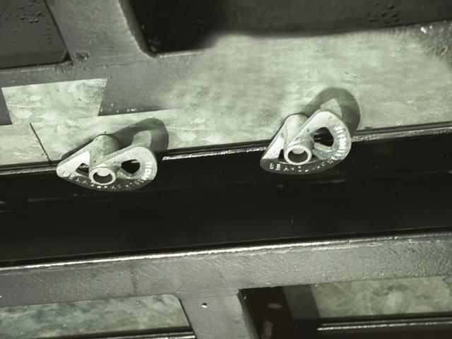 FloorFix HT morsetto fissaggio pavimentazioni in acciaio